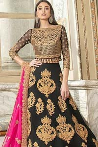 This outfit is an immensely captivating traditional piece, enhancing the art of classical heritage showcasing the craftsmanship of kora and dabka detailed with pearls; artistically embellished to give a beautiful rhythm to the outfit.  Blouse is enhanced with zardosi work.  It comes with full embellished lehenga adorned with different sizes motifs and finished with thin border. It is coordinated with pink chiffon dupatta which is sprinkled with small motifs all over. It is further furnished with four sided scalloped border.