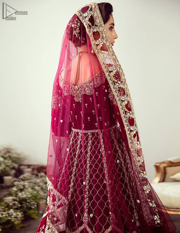 """Did you recently say """"YES"""" to the person of your dreams? Now it's time to stop searching for the perfect dress. Then hold your breath, as we reveal this masterpiece. Maroon Floor Length Pakistani Reception Wear Pishwas with Bridal Dupatta and Churidar Pajama."""