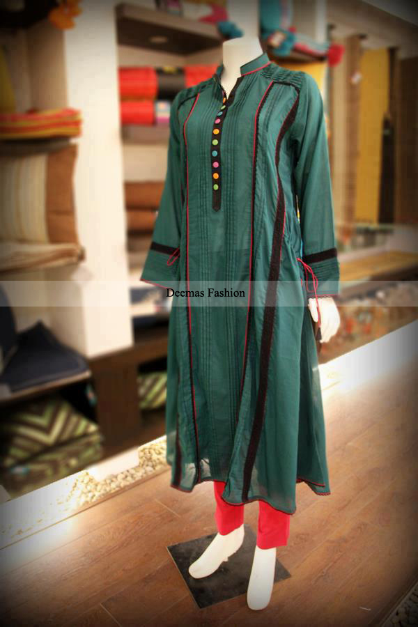 Latest Pakistani Fashion Dark Green Kurti