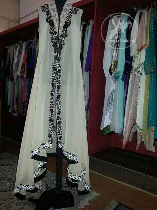 White & Black Sides Down Front Open Gown